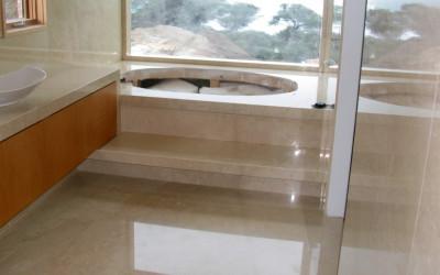 marble-bathroom-crema-marfil-1